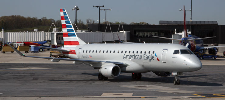 American Airlines Embraer 175 at BWI