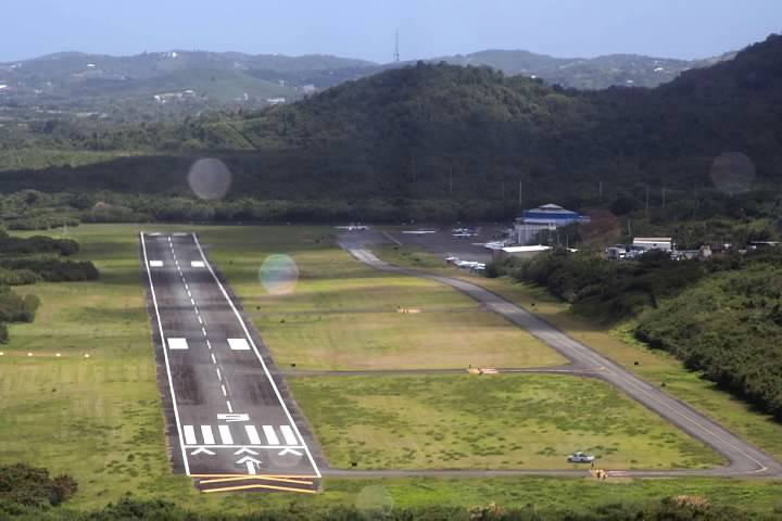 Vieques Airport on approach
