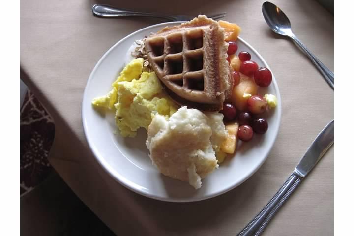 Many Glacier Hotel's many breakfast items