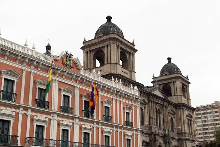 Government buildings of Plaza Murillo