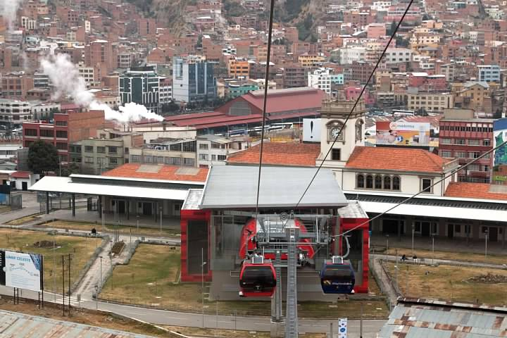 Looking back at the Red Line's Estación Central, with the old train station behind it