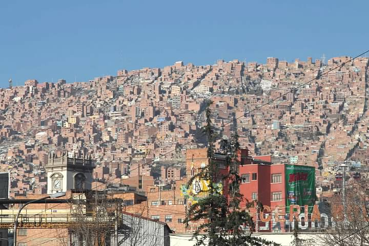 The topography of La Paz explains why the cable car network was constructed; traveling between La Paz and the heights of El Alto is tricky by road