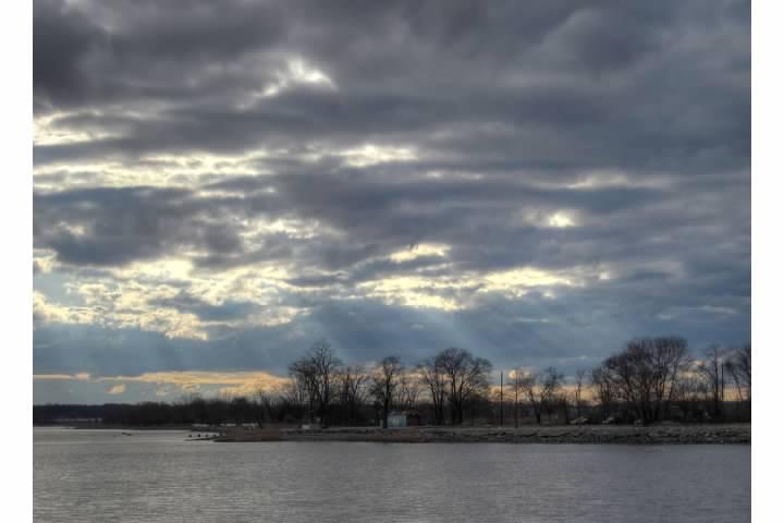 3 HDR Delaware River