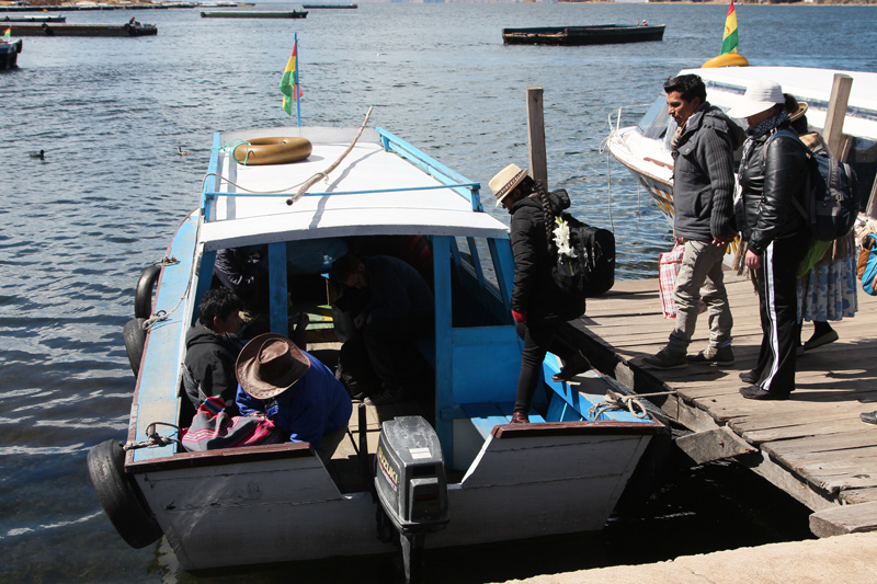 10Ferry-for-Strait-of-Tiquina