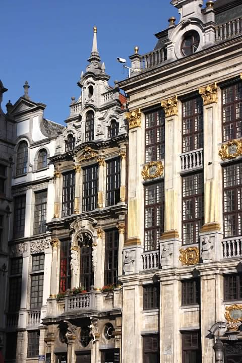 11 Grand Place