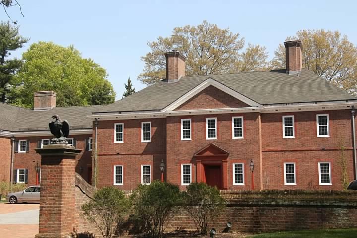 15 Mansion